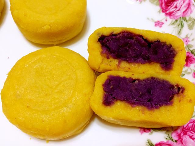 冰皮月饼和椰蓉紫薯球